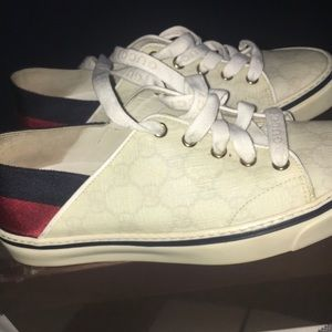 Shoes - Gucci White Sneakers (preowned) (reposhing)